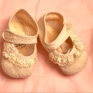 Vintage 1940s Gertrude Baby Shoes